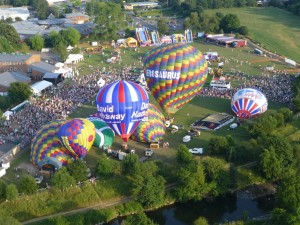 6 Tiverton Balloon festival fly-in