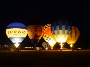 7 Tiverton Night Glow balloon 2013