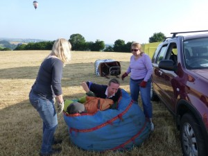 8 Packing Steve away Tiverton Balloon 2013