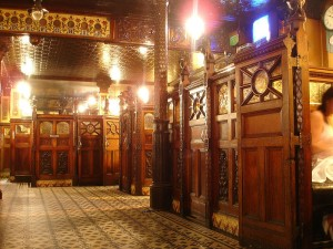 16 Belfast Crown Bar interior