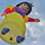 2 Snow White balloon