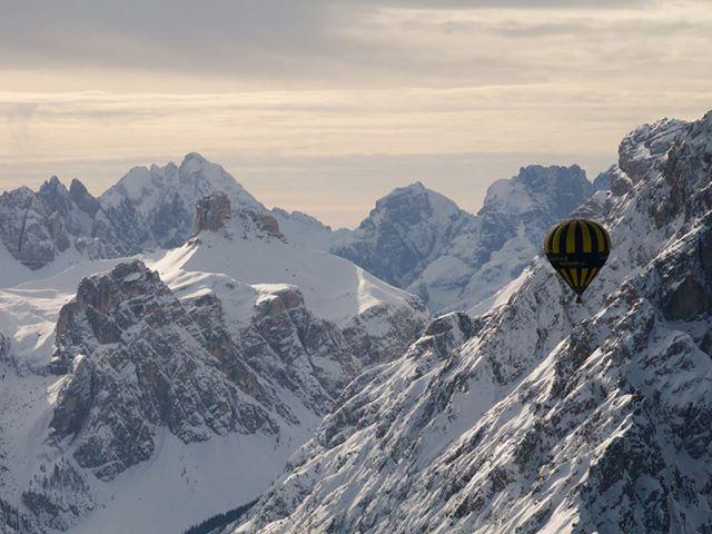 8 Alpine ballooning terrian G-OXBC