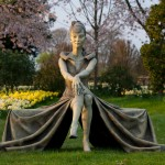 Hatfield Sculpture Femme Assise Paul Day