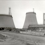 8 Didcot cooling towers under construction